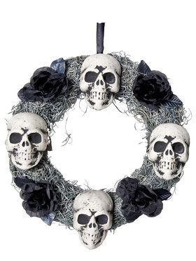 4 Skulls Wreath Prop