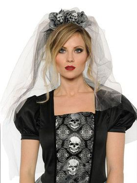 Day Of The Dead Mantia With Veil